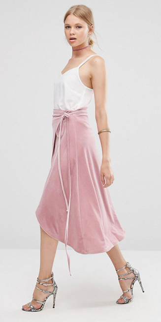 pink-light-midi-skirt-white-cami-choker-bun-gray-shoe-sandalh-spring-summer-blonde-dinner.jpg