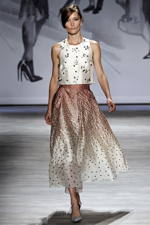 pink-light-midi-skirt-white-top-crop-beaded-embellished-pony-wear-outfit-spring-summer-hairr-lunch.jpg