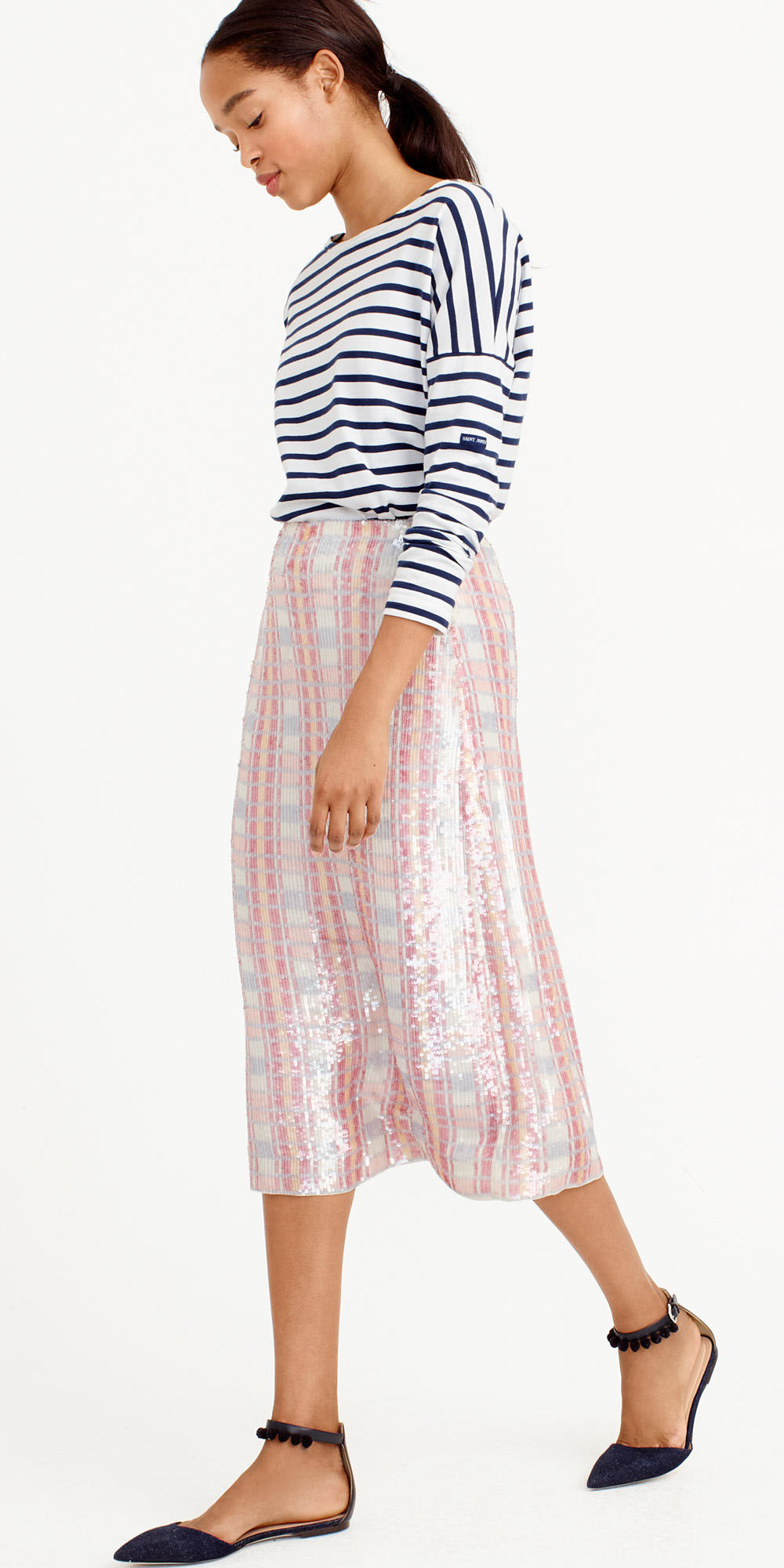 pink-light-midi-skirt-blue-navy-tee-stripe-brun-blue-shoe-flats-spring-summer-lunch.jpg