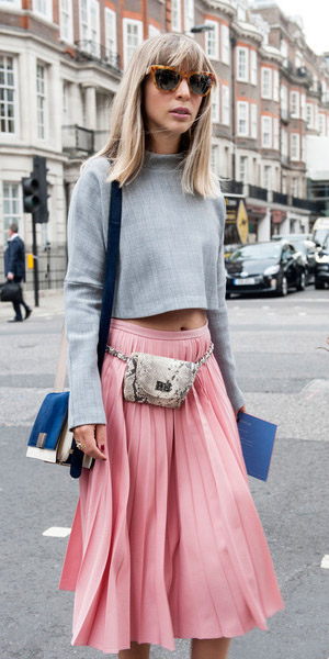 pink-light-midi-skirt-grayl-crop-top-sun-blue-bag-spring-summer-blonde-lunch.jpg