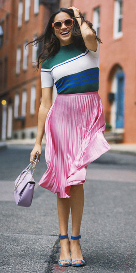 how-to-style-pink-light-midi-skirt-pleated-sun-brun-green-dark-top-stripe-purple-bag-blue-shoe-sandalh-spring-summer-fashion-meghanmarkle-lunch.jpg