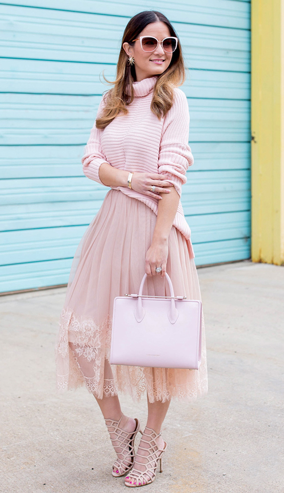 pink-light-midi-skirt-pink-light-sweater-turtleneck-pink-bag-pink-shoe-sandalh-sun-mono-hairr-studs-howtowear-valentinesday-outfit-fall-winter-dinner.jpg