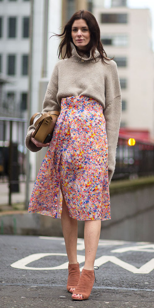 pink-light-midi-skirt-print-tan-sweater-turtleneck-peach-shoe-sandalh-tan-bag-hairr-fall-winter-lunch.jpg
