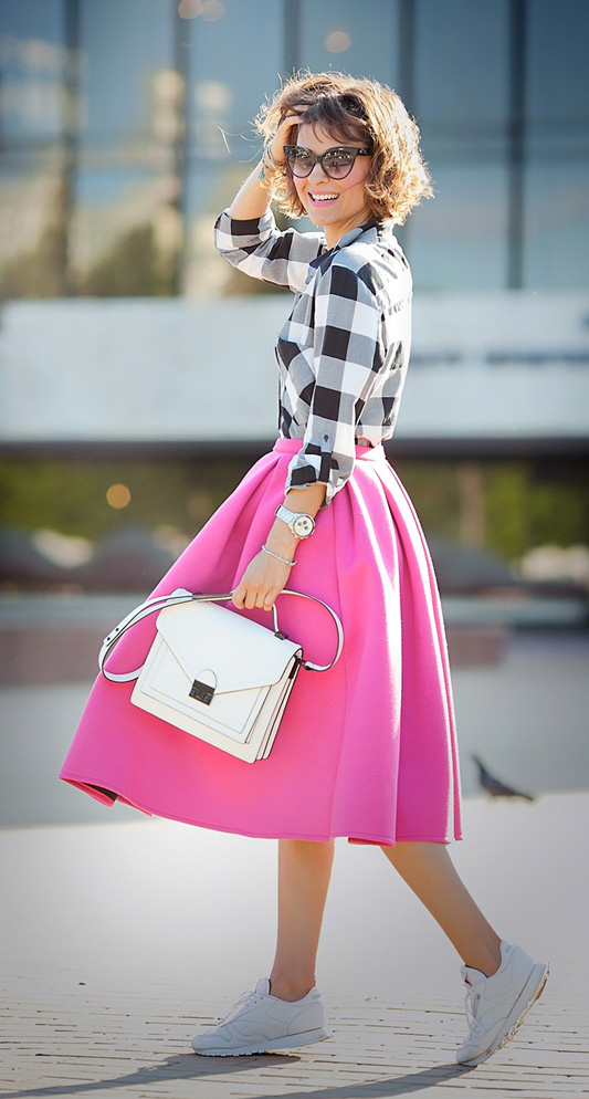 r-pink-magenta-midi-skirt-white-plaid-shirt-white-bag-sun-watch-wear-outfit-spring-summer-white-shoe-sneakers-hairr-lunch.jpg