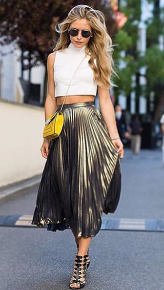 o-tan-midi-skirt-white-top-crop-yellow-bag-sun-black-shoe-sandalh-pleat-metallic-howtowear-fashion-style-outfit-spring-summer-blonde-dinner.jpg