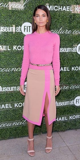 tan-midi-skirt-pink-magenta-sweater-belt-slit-tan-shoe-sandalh-spring-summer-brun-dinner.jpg