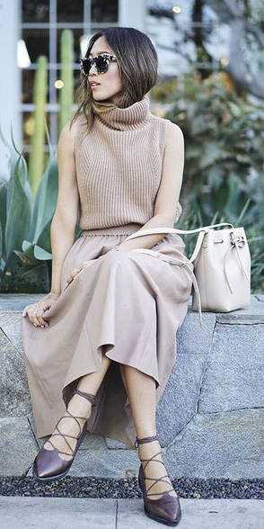 tan-midi-skirt-tan-sleevelesssweater-turtleneck-tan-bag-fall-winter-hairr-lunch.jpg