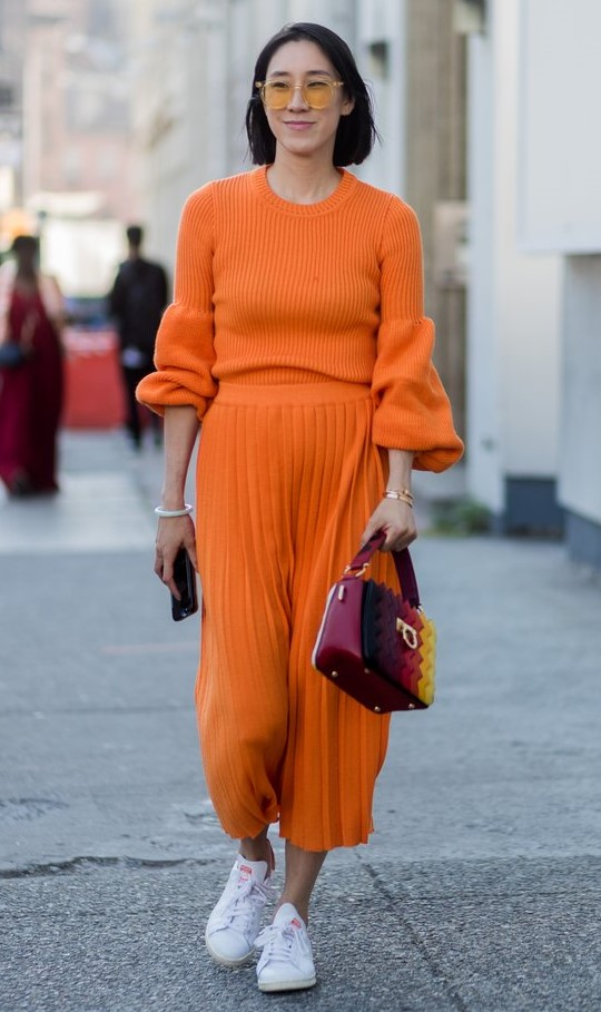 orange-midi-skirt-pleated-burgundy-bag-brun-sun-bob-white-shoe-sneakers-orange-sweater-fall-winter-weekend.jpg