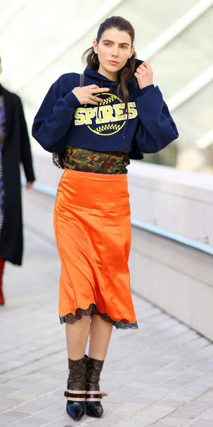 orange-midi-skirt-blue-navy-sweater-sweatshirt-hoodie-pony-howtowear-fall-winter-brun-lunch.jpg