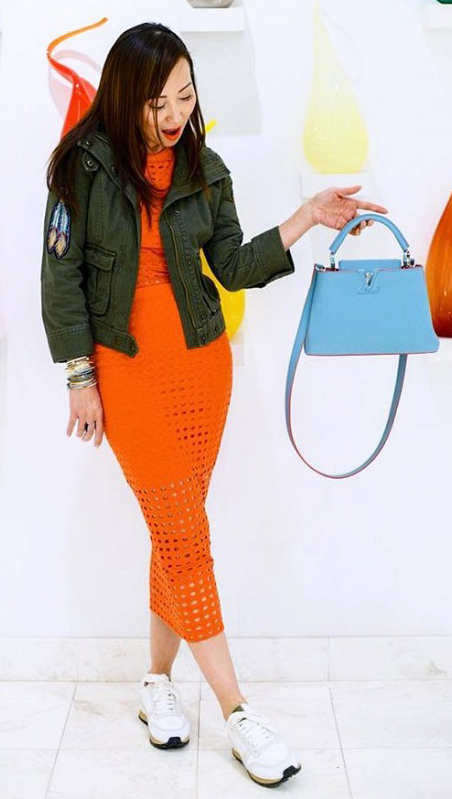 orange-midi-skirt-orange-top-wear-outfit-fall-winter-white-shoe-sneakers-blue-bag-fashion-green-olive-jacket-brun-lunch.jpg