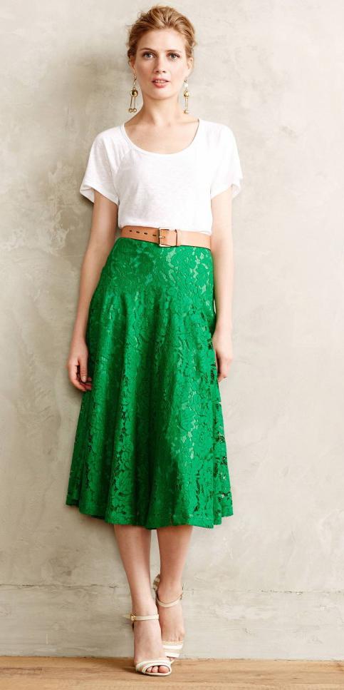 3f94808cb green-emerald-midi-skirt-white-tee-earrings-bun-
