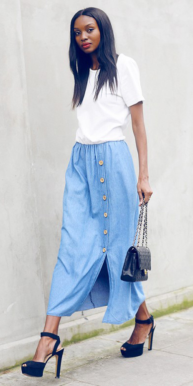 blue-light-midi-skirt-white-tee-black-bag-black-shoe-sandalh-spring-summer-brun-dinner.jpg