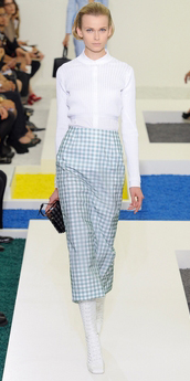blue-light-midi-skirt-white-top-blouse-howtowear-fashion-style-outfit-spring-summer-gingham-runway-blonde-lunch.jpg