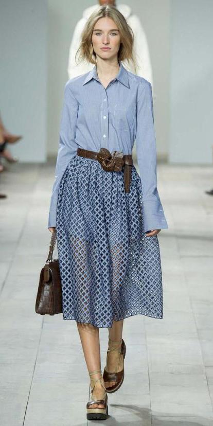 blue-light-midi-skirt-blue-light-collared-shirt-belt-brown-bag-pony-chambray-wear-outfit-spring-summer-brown-shoe-sandals-runway-blonde-lunch.jpeg