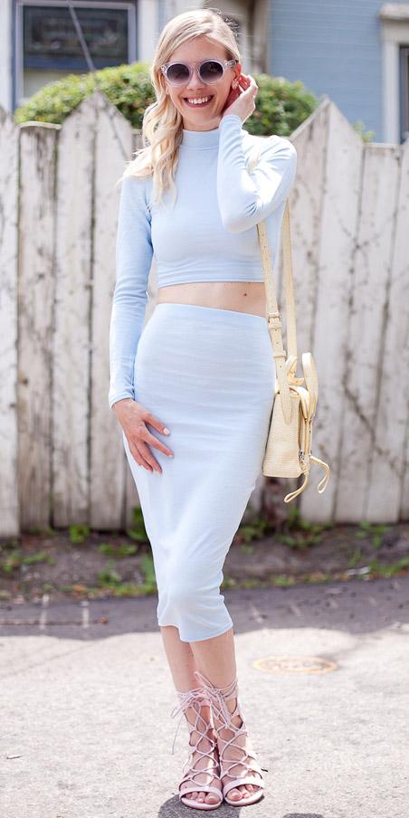 blue-light-midi-skirt-matchset-pastel-blue-light-crop-top-yellow-bag-sun-pink-shoe-sandals-spring-summer-blonde-lunch.jpg
