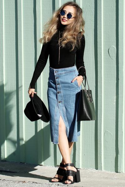blue-light-midi-skirt-black-sweater-turtleneck-denim-black-shoe-sandalh-wear-outfit-fall-winter-black-bag-hat-sun-jean-fashion-hairr-lunch.jpg