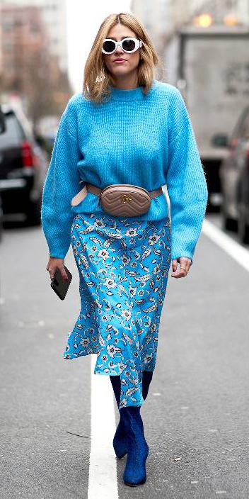 blue-med-midi-skirt-floral-print-blue-med-sweater-tan-bag-fannypack-sun-blonde-blue-shoe-boots-fall-winter-lunch.jpg