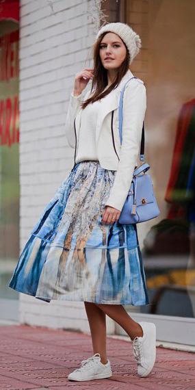 blue-med-midi-skirt-white-top-white-jacket-moto-blue-bag-print-wear-outfit-fall-winter-white-shoe-sneakers-fashion-beanie-hairr-weekend.jpg