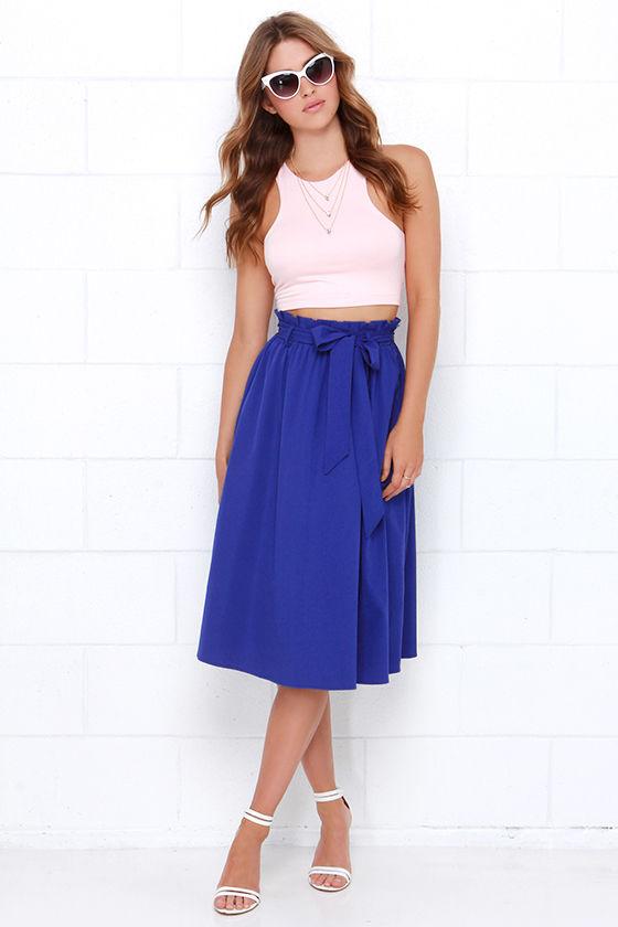 blue-navy-midi-skirt-white-crop-top-white-shoe-sandalh-sun-spring-summer-hairr-dinner.jpg