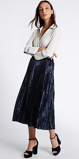 blue-navy-midi-skirt-pleated-white-top-blouse-blue-shoe-sandalh-fall-winter-dinner.jpg