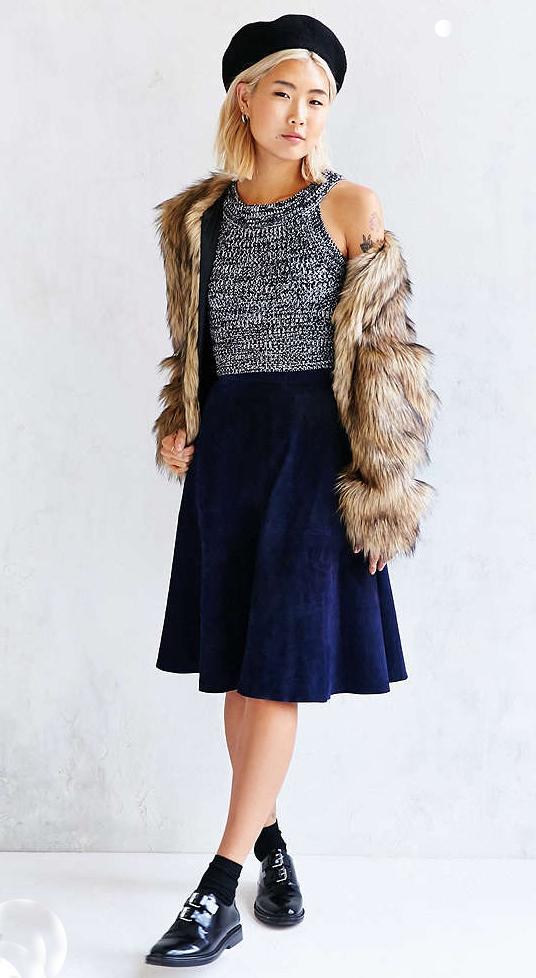blue-navy-midi-skirt-grayl-top-crop-tan-jacket-coat-fur-fuzz--wear-outfit-fall-winter-black-shoe-brogues-beret-socks-blonde-lunch.jpg
