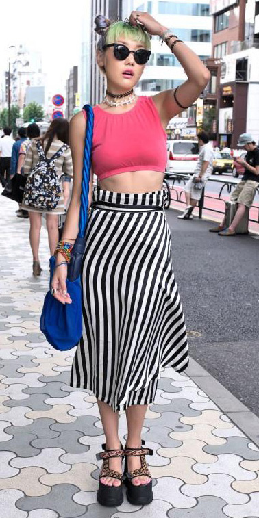 white-midi-skirt-r-pink-magenta-top-crop-print-sun-bun-choker-stripes-wear-outfit-spring-summer-tan-shoe-sandalw-japan-fashion-blonde-lunch.jpg