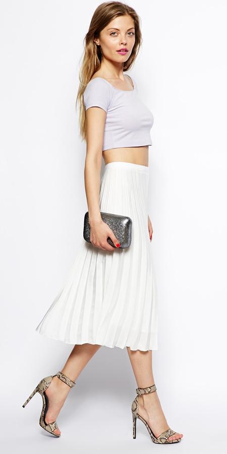 white-midi-skirt-gray-white-tee-crop-gray-bag-clutch-wear-outfit-spring-summer-tan-shoe-sandalh-pleat-asos-night-hairr-dinner.jpg