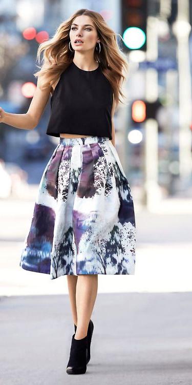 white-midi-skirt-black-top-crop-hoops-wear-fashion-style-fall-winter-black-shoe-booties-blonde-dinner.jpg