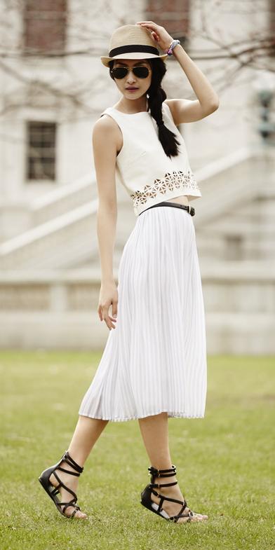 white-midi-skirt-white-top-hat-panama-braid-sun-black-shoe-sandals-spring-summer-brun-weekend.jpg