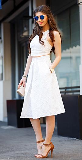 white-midi-skirt-white-top-crop-match-sun-tan-bag-clutch-cognac-shoe-sandalh-howtowear-fashion-style-outfit-spring-summer-brun-dinner.jpg