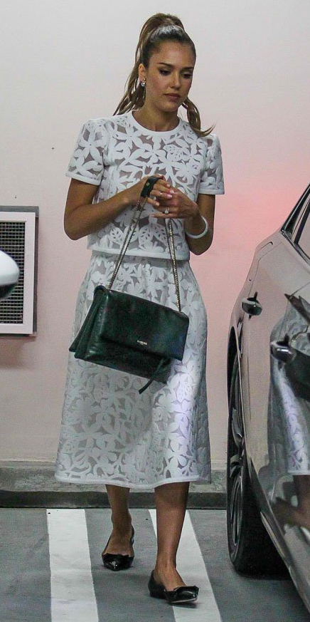 white-midi-skirt-white-top-match-lace-black-bag-jessicaalba-wear-outfit-spring-summer-black-shoe-flats-pearl-studs-ponytail-hairr-lunch.jpg