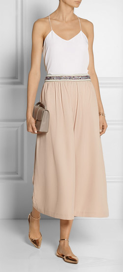 tan-culottes-pants-white-cami-tan-shoe-flats-metallic-spring-summer-dinner.jpg