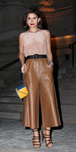 camel-culottes-pants-leather-belt-tan-top-brown-shoe-sandalh-miroslavaduma-fall-winter-brun-yellow-bag-dinner.jpg