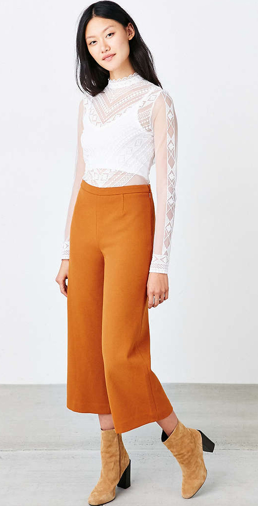 orange-culottes-pants-white-top-brun-tan-shoe-booties-fall-winter-style-fashion-wear-lace-urbanoutfitters-lunch.jpg