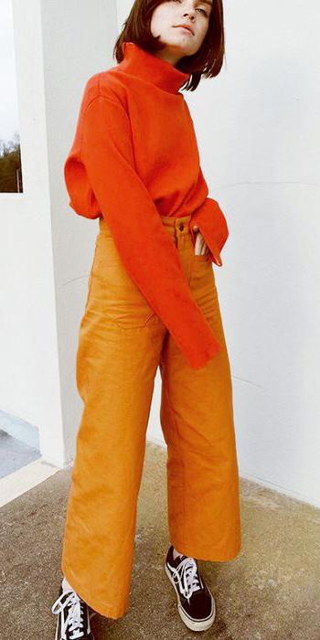 orange-culottes-pants-orange-sweater-turtleneck-black-shoe-sneakers-brun-fall-winter-weekend.jpg
