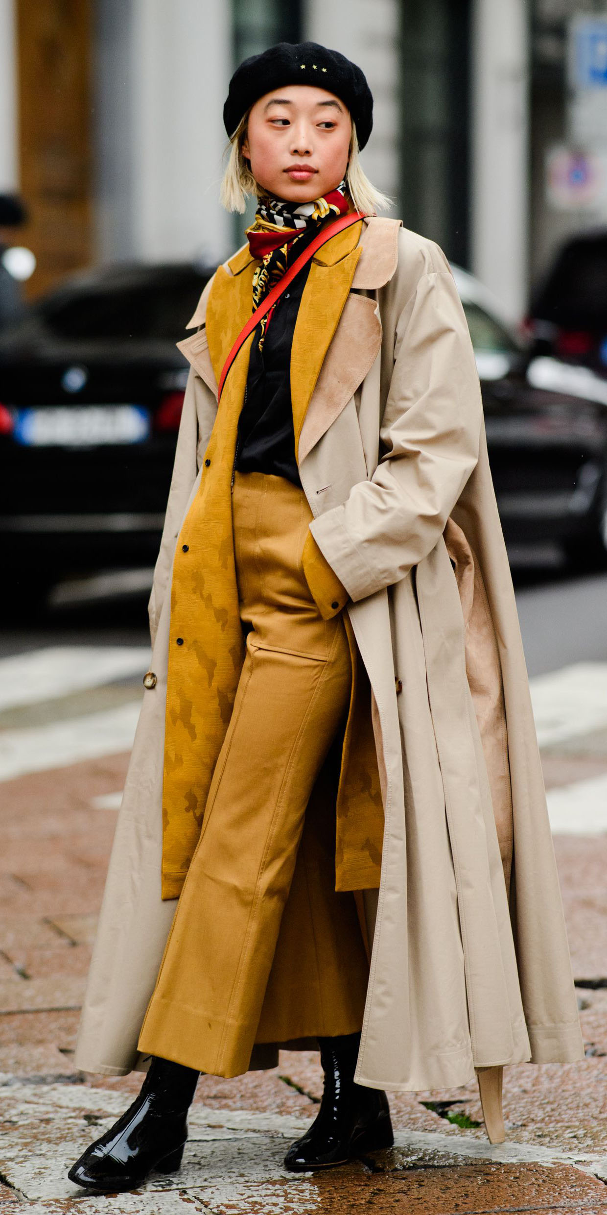 how-to-style-yellow-culottes-pants-layer-yellow-jacket-coat-tan-jacket-coat-trench-blonde-bob-hat-beret-black-shoe-booties-fall-winter-fashion-lunch.jpg