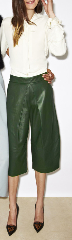 green-olive-culottes-pants-white-top-blouse-hairr-spring-summer-style-fashion-wear-tan-shoe-pumps-leopard-office-work.jpg