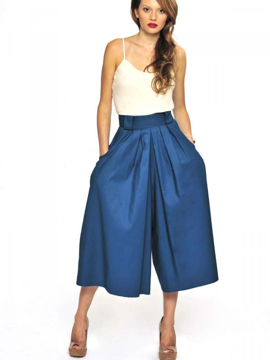 blue-med-culottes-pants-white-cami-spring-summer-hairr-dinner.jpg