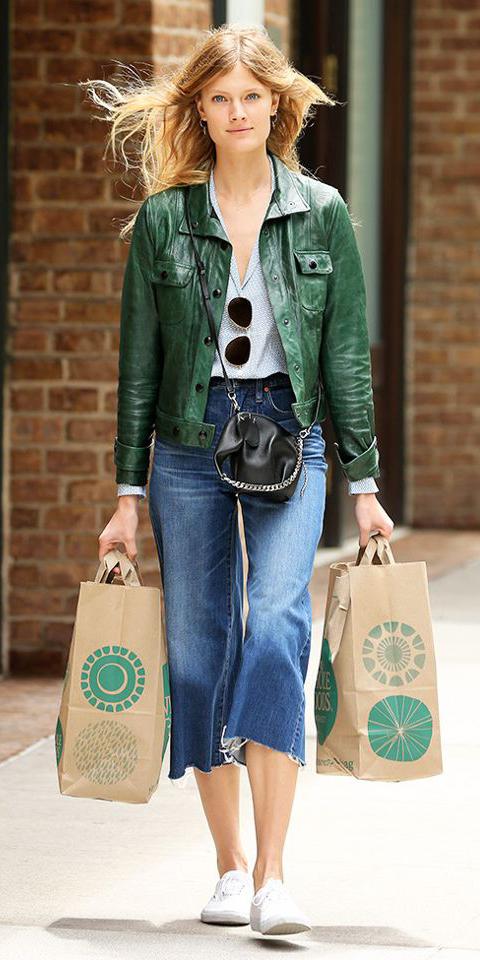 blue-med-culottes-pants-denim-white-shoe-sneakers-black-bag-green-dark-jacket-moto-spring-summer-blonde-weekend.jpg