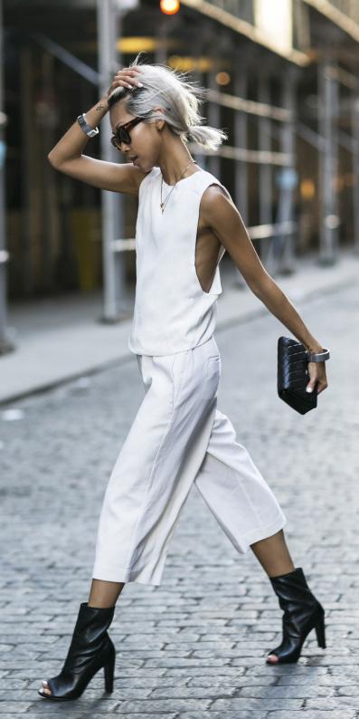 white-culottes-pants-white-top-black-bag-clutch-black-shoe-booties-spring-summer-blonde-dinner.jpg