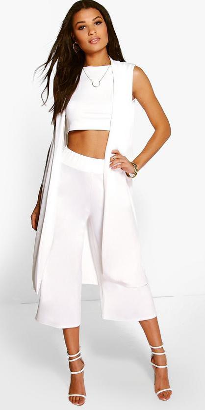 white-culottes-pants-white-crop-top-white-vest-knit-white-shoe-sandalh-mono-spring-summer-brun-dinner.jpg