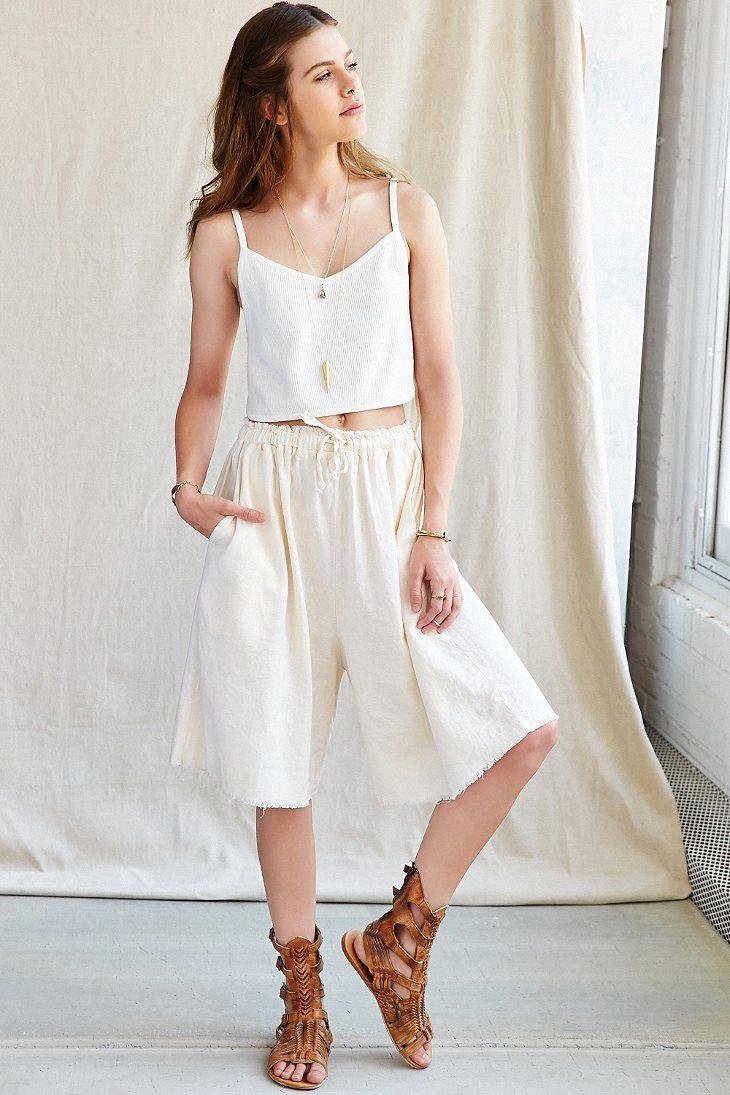 white-culottes-pants-white-cami-cognac-shoe-sandals-spring-summer-hairr-weekend.jpg