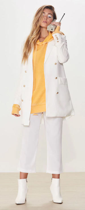white-culottes-pants-yellow-sweater-hoodie-white-jacket-coat-white-shoe-booties-howtowear-fall-winter-blonde-lunch.jpg