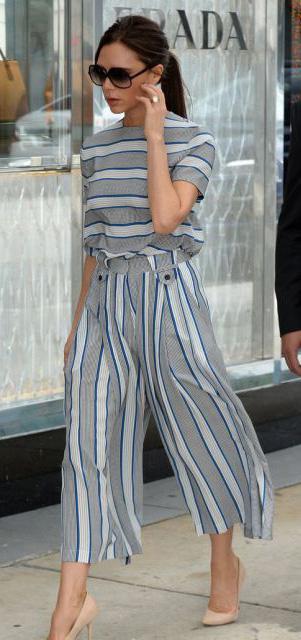 grayl-culottes-pants-stripe-print-matchset-grayl-top-sun-pony-tan-shoe-pumps-victoriabeckham-brun-spring-summer-work.jpg