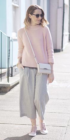 grayl-culottes-pants-pink-shoe-sneakers-pink-light-sweater-white-bag-blonde-fall-winter-weekend.jpg