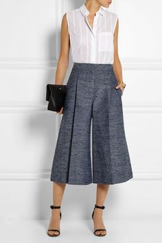 grayd-culottes-pants-white-top-blouse-black-bag-clutch-spring-summer-style-fashion-wear-black-shoe-sandalh-office-work.jpg