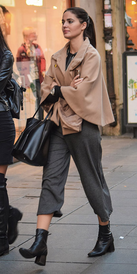 grayd-culottes-pants-camel-jacket-coat-swing-black-bag-tote-pony-black-shoe-booties-fall-winter-blonde-work.jpg