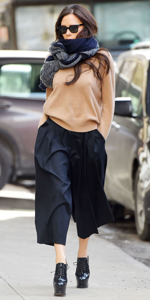 black-culottes-pants-tan-sweater-victoriabeckham-black-shoe-booties-blue-navy-scarf-fall-winter-brun-lunch.jpg