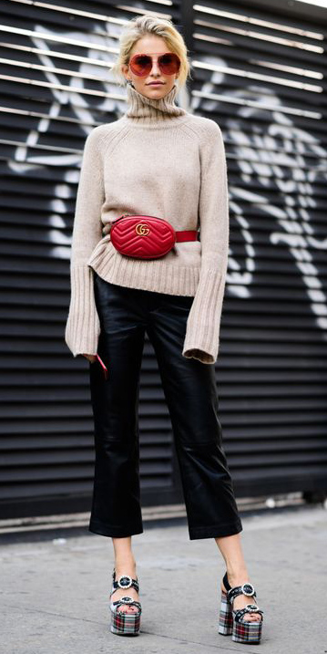 black-culottes-pants-red-bag-fannypack-tan-sweater-turtleneck-blonde-sun-black-shoe-sandalh-fall-winter-lunch.jpg