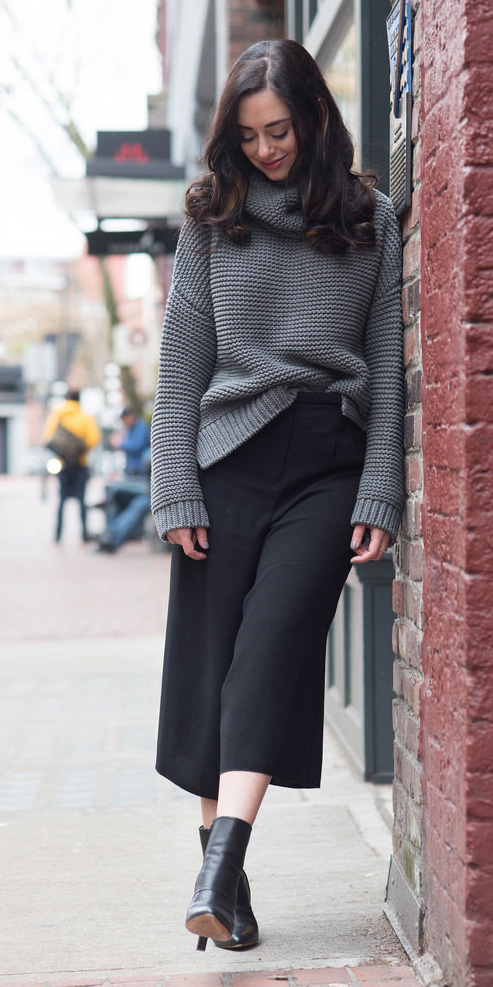 black-culottes-pants-grayd-sweater-slouchy-turtleneck-black-shoe-booties-fall-winter-brun-lunch.jpeg